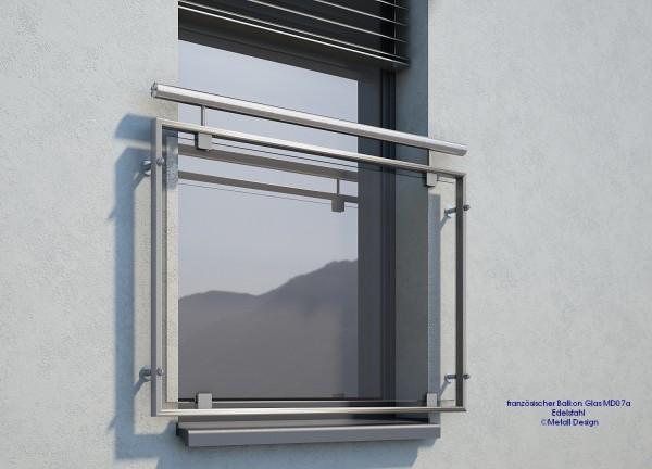 Französischer Balkon, Fenstergeländer Edelstahl, montage auf der Wand.