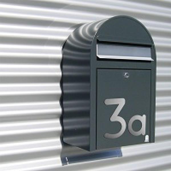 edelstahl hausnummer max xxl edelstahl geschliffen. Black Bedroom Furniture Sets. Home Design Ideas